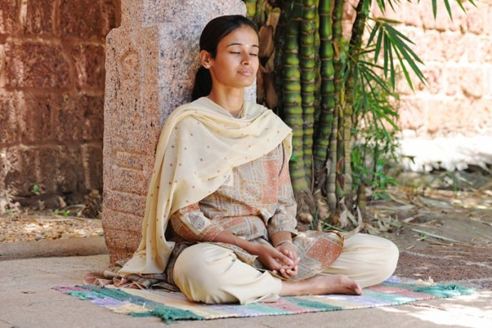 women-spiritual-path-00